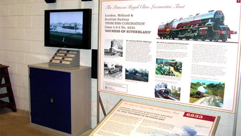 locomotive-building