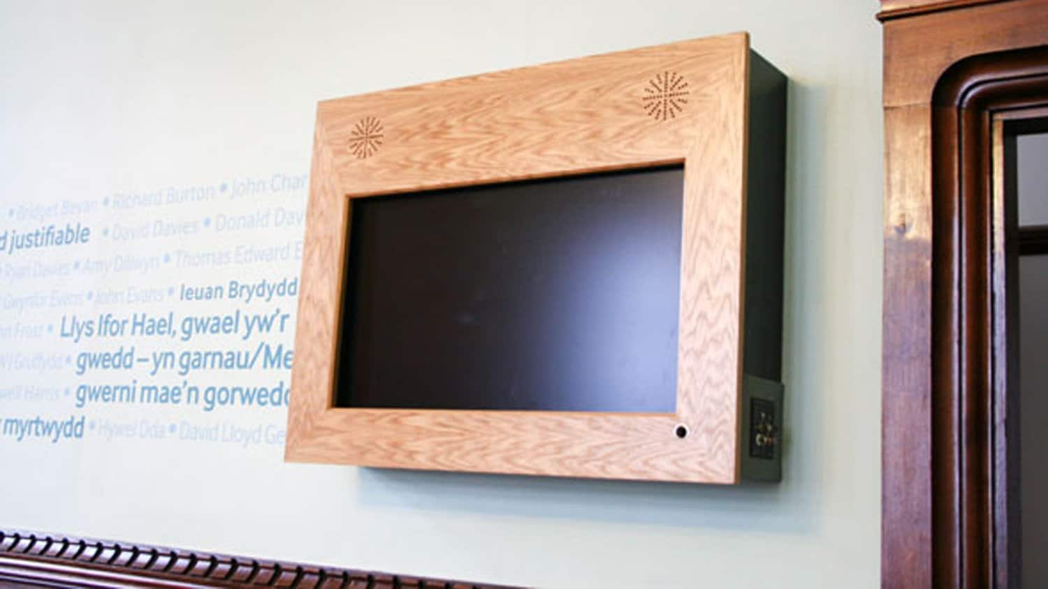 Specialist-Screen-by-Blackbox-av-for-Pierhead-Building