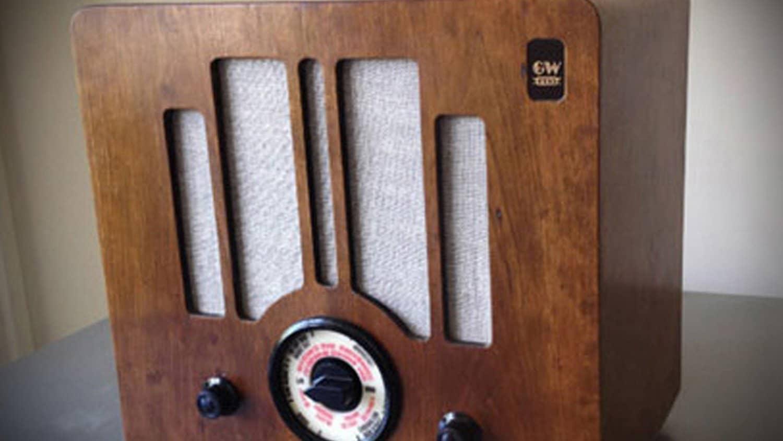 1940s-Replica-Radio-Electronics
