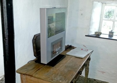 VideoFrame 12 – Elfed's Cottage