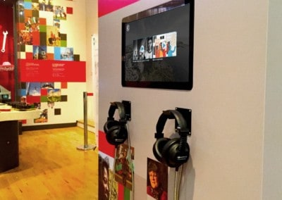 22″ All-In-One Touchscreen – Cardiff Story Museum