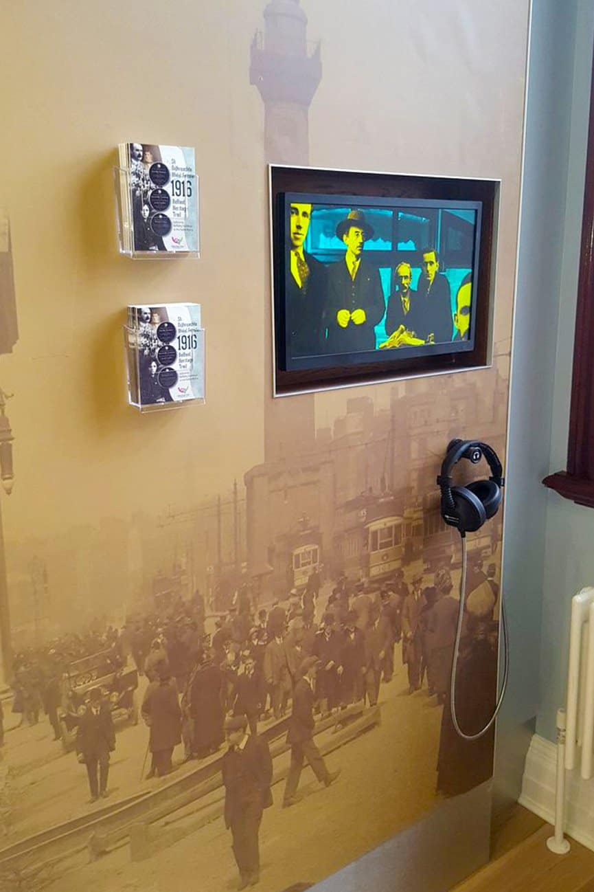 Belfast City Hall Exhibition with AutoPlay Double Cup Headphones & Magnetic Hanger