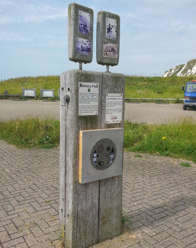 U-Turn Round Through Panel unit with signage installed at the Whitecliff Coastal Path